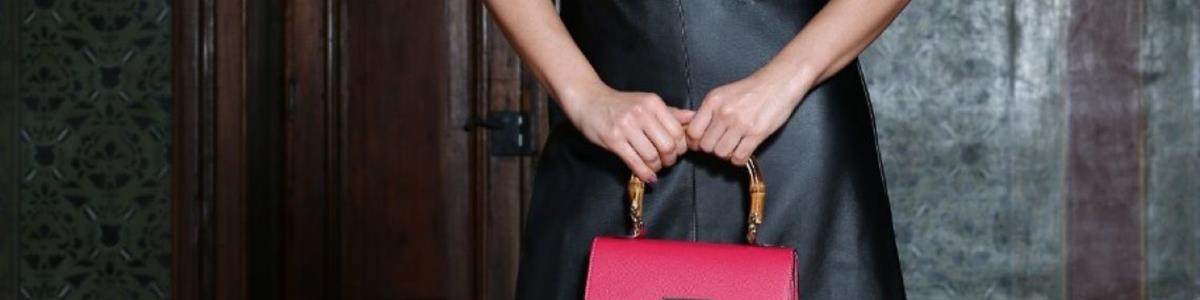 Combinar ou não o sapato com a bolsa?